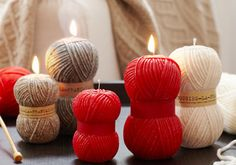 Kerzen in Strick-Optik Seashell Candles, Cute Candles, Gel Candles, Beeswax Candles, Floating Candles, Minimalist Candles, Chandeliers, Design Candle Holders, Homemade Candles