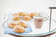 http://www.danielyraquellife.com/bollos-de-canela-o-cinnamon-buns/