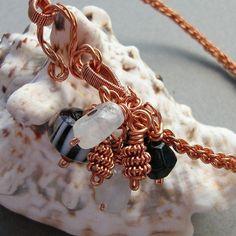 Kumihimo braid with wire