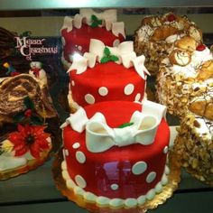 Carlo's Bakery - we got this cake!