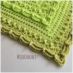 Key Lime Pi 🍰 . #mijocrochet #lostintimeshawl #favoritgarner #diwy #diwylove #scheepjes #scheepjeswhirl #crochetshawl #mycrushonshawls #virkadsjal 🍰