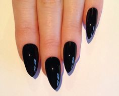 PLEASE NOTE    Each set contains 10 false nails.   NAIL FINISHES: The glossy nail finish is the most common nail finish it is the
