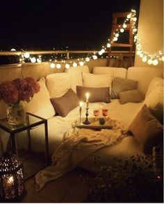 Genius Ways To Turn Your Tiny Outdoor Space Into A Relaxing Nook And lastly, make it super-crazy-extra cozy with cheap mini lanterns.And lastly, make it super-crazy-extra cozy with cheap mini lanterns. Home Living, Apartment Living, Cozy Apartment, Living Room, Apartment Ideas, Living Area, Cheap Apartment, Couples Apartment, Houston Apartment