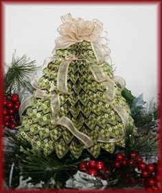 More Holiday Ideas at the Boss Kut blog (several gift ideas here)