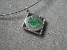 Enamelled Good Luck 4-Leaf Clover