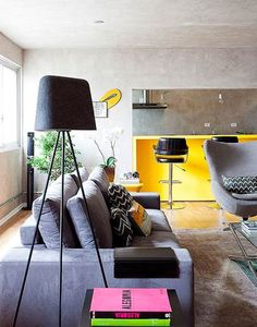 Decoración en amarillo y gris