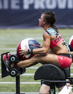 Games Sunday kicks off with three-minute chipper. I'm a big fan of this event! Seems very exciting! The Crossfit Games 2013