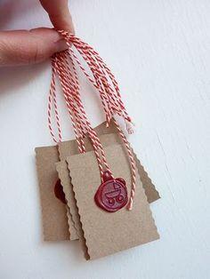 gift tag (sealing wax)