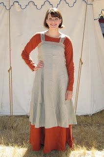 How to make a simple shift dress and apron.