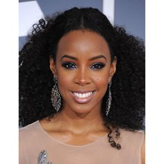 Singer Kelly Rowland arrives at 54th Annual GRAMMY Awards held the at Staples Center on February 12, 2012 in Los Angeles, California.