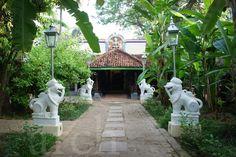 Rang-Decor {Interior Ideas predominantly Indian}: INDeco Hotels Swamimalai, 1896 Tanjore Village.