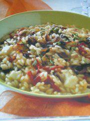 Ricetta facile e veloce: Risotto affumicato con verdure arrosto.Preparazione: 15' Cottura: 40' Esecuzione: facile Scalda il forno a 220� C. Pulisci i peperoni �.