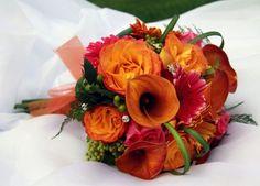 Red + orange bouquet. <3