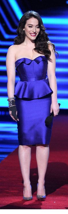 Kat Dennings is all glamour in Oliver Totino - People's Choice Awards 2014