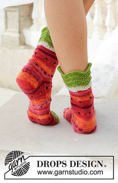 Fruity Feet / DROPS - Knitted socks with water melon pattern. The piece is worked in DROPS Fabel. Knitting Patterns Free, Free Knitting, Knitting Socks, Drops Design, Magazine Drops, Cast Off, Summer Design, Crochet Diagram, Chain Stitch