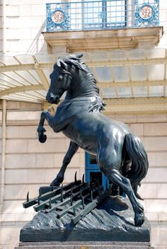 Paris statue - need a picture of this for Linda                                                                                                                                                                                 More