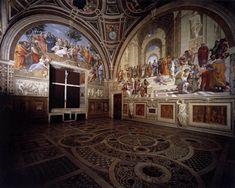"""La Stanza della Segnatura viene dipinta da Raffaello tra il 1508 e il 1511,è la prima stanza delle quattro che formano l'appartamento di Giulio II e di Leone X in Vaticano.L'ambiente prende il nome dal più alto tribunale della Santa Sede,la """"Segnatura Gratiae et Iustitiae"""",presieduto dal pontefice e che usava riunirsi in questa sala.Gli affreschi sulle pareti ci permettono di conoscere il pensiero politico,filosofico e religioso di quell'epoca."""