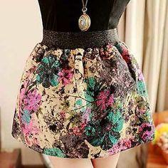 Falda corta estampada con flores