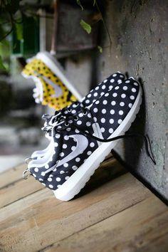 Nike Roshe Papillon Pointillé Noir Et Blanc