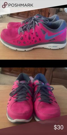 Nike dual fusion Women's size 9 Nike in good condition daughter wore about 10 times before out growing them. Nike Shoes Athletic Shoes