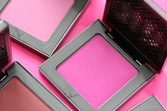 Urban Decay afterglow 8-hour powder blush - Quickie. Bright pink. I'm eager to try this recent acquisition.