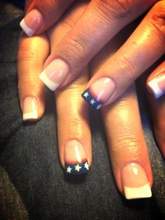 4th of July Nail Art  @Carolyn Rafaelian Nobles how can we do thissss?