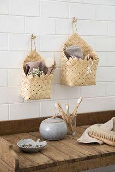 Få inspiration til Deres badeværelsesindretning Autumn Interior, Home Ceiling, Small Bathroom Storage, Home Hacks, Scandinavian Design, Getting Organized, Decoration, Room Inspiration, Shelves