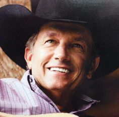 George Strait has had my heart since i was a little girl and everyone who appreciates country music, if you love country music but not Strait you might as well say you don't appreciate country music at all. Country Musicians, Country Music Artists, Country Singers, George Strait Family, Joyce Taylor, Country Men, Country Bands, Miranda Lambert, King George