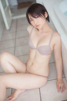 Saki Suzuki (鈴木咲)