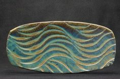 The waves remind me of being on the beach, its a unique design, i may try to replicate on my slabs Pottery Plates, Slab Pottery, Ceramic Pottery, Pottery Art, Pottery Painting, Pottery Patterns, Pottery Designs, Pottery Ideas, Ceramic Bowls