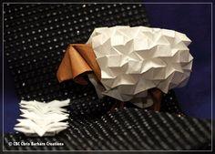 """Sheep V. 3 von Beth Johnson folded by me Chris Barharn Creations  Wenn man schon nicht schlafen kann, dann kann man sich ja seine Schafe zum Zählen falten. Sheep Body: Wettfolding mit dem Origami Luxus Papier aus meiner Firma. Sheep Coat: Schwimmpapier von Folia  Und gleich das nächste - mal sehen, das mache ich in """"Glitzer-Grau"""""""
