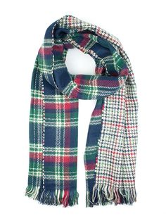 An on trend highland inspired design this winter. Our reversible scarf combines a traditional green & blue tartan with a multi-colour houndstooth print.