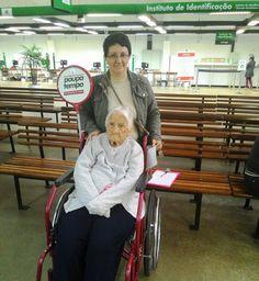 Aos 97 anos de idade, Maria Stefanin atualizou seu RG no Poupatempo São Bernardo do Campo.