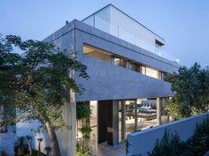 Architecture Porn: The Concrete Cut House