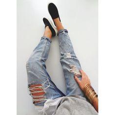 Céline Slip-On & Ripped Jeans Regina Dukai style