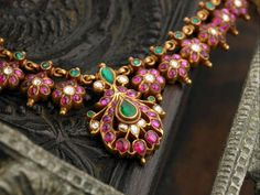 Antique ruby necklace from Arnav jewellers ~ South India Jewels Ruby Jewelry, India Jewelry, Temple Jewellery, Jewelry Findings, Bridal Jewelry, Gemstone Jewelry, Gold Jewelry, Ruby Necklace, High Jewelry