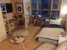 style, inspiration y house imagen en We Heart It Small Room Design, Home Room Design, Small Room Layouts, Room Ideas Bedroom, Small Room Bedroom, Deco Studio, Studio Apt, Appartement Design, Minimalist Room