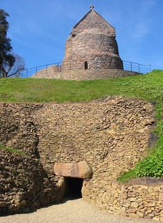 Highly unusual archaeological monument is La Hougue Bie - enormous, artificial earth mound. It hides 18.6 m long passage lined with enormous stones. This mound and passage in it were made some 6000 years ago - in Neolithic period, circa 4000 - 3500 BC. On the top of this mount are two Medieval chapels. Such an unusual mix of cultural monuments is unique.