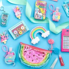The sun may have gone away for today but have got us feeling all summery with their range of rainbow and unicorn products! Unicorn Fashion, Unicorn Outfit, Unicorn Makeup, Justice School Supplies, Cute School Supplies, Justice Accessories, Claire's Accessories, Unicorn Birthday Parties, Unicorn Party