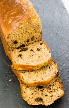 This Best Ever Low Syn Banana Bread is the ultimate Slimming World cake recipe, ideal for pudding or as a healthy snack to satisfy your sweet tooth. Slimming World Desserts Puddings, Slimming World Sweets, Good Healthy Recipes, Healthy Baking, Sweet Recipes, Slimming World Banana Cake, Sugar Free Banana Bread, Banana Oatmeal Muffins, Kebab