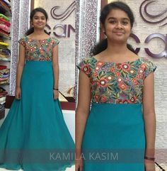 Long Dress Design, Dress Neck Designs, Blouse Designs, Bandhani Dress, Kalamkari Dresses, Long Gown Dress, Frock Dress, Kids Dress Wear, Party Wear Dresses