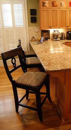 keep oak cabinets... oak floor