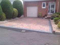 Brindle Monoblock with Charcoal Border by S&D