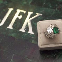 2 jackie kennedy engagement ring pictures 0507
