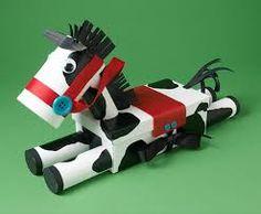 Resultado de imagem para como fazer um cavalo de brinquedo em papelão