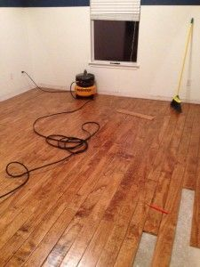 Home Renovation Flooring Plywood Floors finishing - Inexpensive diy plywood floor. Easy alternative to laminate hardwood, save money and do it yourself! Cut, sand, stain and poly your way to new floors! Diy Wood Floors, Diy Flooring, Hardwood Floors, Painted Floors, Laminate Flooring, Plywood Plank Flooring, Cheap Flooring Ideas Diy, Stained Plywood Floors, Pallet Floors
