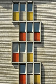 wohnhaus Berlin by Heinz Völker and Rudolf Grosse.