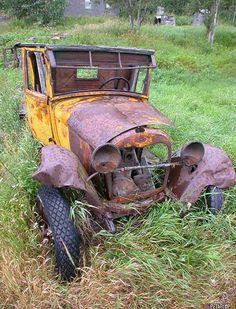 Google Image Result for http://blog.petaflop.de/wp-content/uploads/2007/08/old-car-altes-auto-oldtimer-rusty-verrosteter-rostiger-chitina-alaska-usa-dscn1899.jpg
