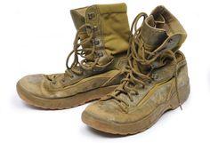 Deze schoenen heeft Marco gedurende al zijn acties tijdens OEF en DTF gedragen. Dit is één van de typen schoenen die Commando's kregen uitgereikt om in de praktijk uit te proberen. Velen vonden dit type te weinig steun bieden en de zool te slap.