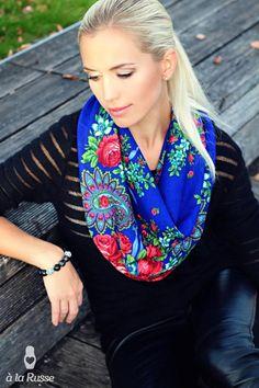 Russian scarf / shawl by A LA RUSSE. Floral pattern, indigo blue. Foulard russe SASHA